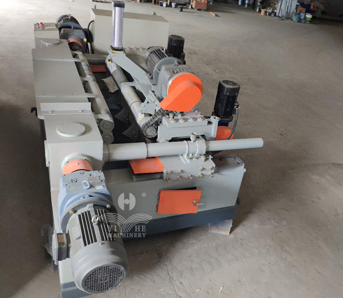 4ft Single Power Spindleless Peeling Machine (4).jpg